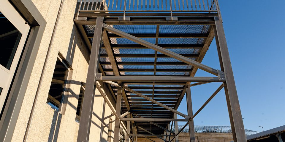 Piattaforma, struttura in acciaio e griglia