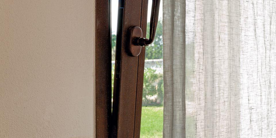 finestra realizzata in acciao
